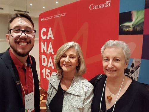 MEDALHA NOBRE PARCERIA conferida a Zilá Bernd pelo Embaixador do Canadá por 30 anos de parceria. O ato fez parte das comemorações dos 150 anos da Confederação Canadense.