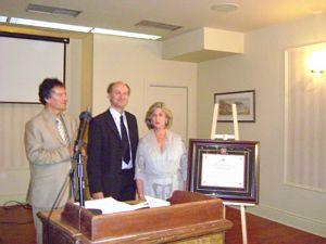 Prix International du Gouverneur Général en Études Canadiennes (2009).