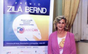 Zilá Bernd, em 11 de novembro de 2007, em Salvador, quando foram instituídos os prêmios de melhor tese e de melhor dissertação em Estudos canadenses com o seu nome